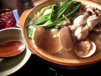 20120303 牡蠣とはまぐり鍋.jpg