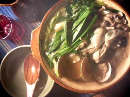 20120303 牡蠣とはまぐり鍋2.jpg