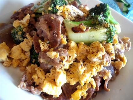 20130429 牛肉の卵とじ炒め2.jpg