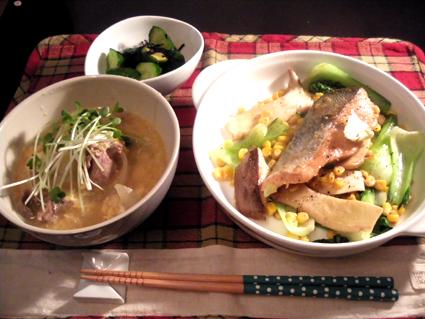 20131022 鮭のムニエル定食.jpg